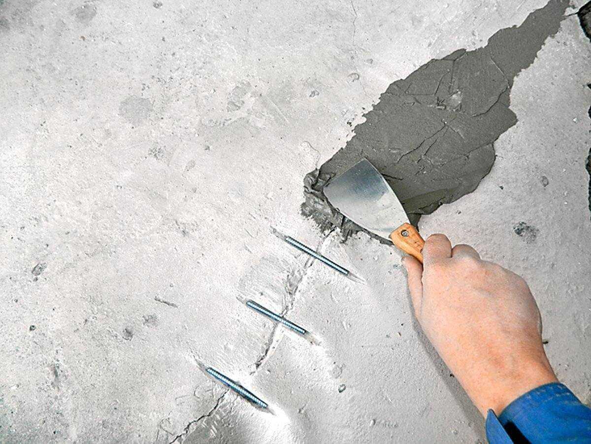 Ремонт трещины в стене: виды растворов и методы работы